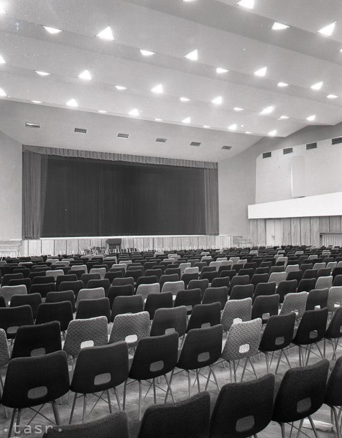 5c184f9f1 Rok 1968: Prešov privíta Nový rok v novom Dome kultúry