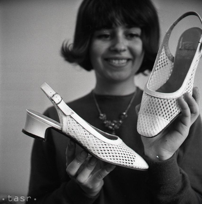 89346f152f72 Rok 1968  Jarná kolekcia topánok zo ZDA Partizánske