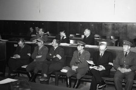 Národný súd v Bratislave odsúdil 18. októbra 1947 politika Karola Sidora