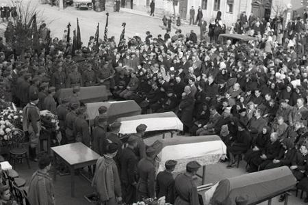 Národný pohreb hrdinov Brezovej pod Bradlom