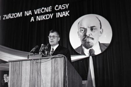 Veľká októbrová socialistická revolúcia – sviatok proletariátu