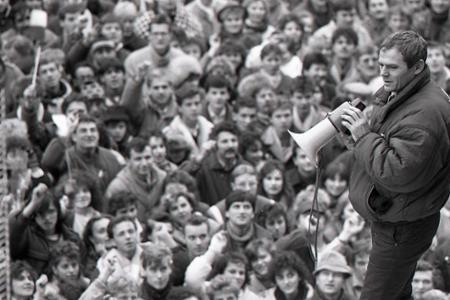 Rok 1989: Komunistický režim v Československu sa zrútil
