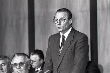 Rok 1989: R. Schuster sa stáva predsedom Slovenskej národnej rady