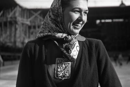Rok 1950: Majsterka sveta Ája Vrzáňová zavítala do Bratislavy