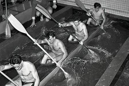 Rok 1956: Predolympijské sústredenie vodákov v petržalskom bazéne