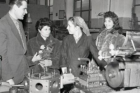 Rok 1958:  Európski krasokorčuliari v bratislavských firmách