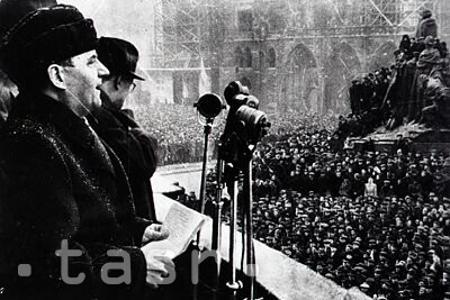 """""""Víťazný február"""" - pred 70 rokmi komunisti prebrali moc v krajine"""