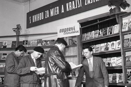 Marec - mesiac knihy.
