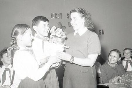 Deň učiteľov sa v Československu začal oslavovať v roku 1955