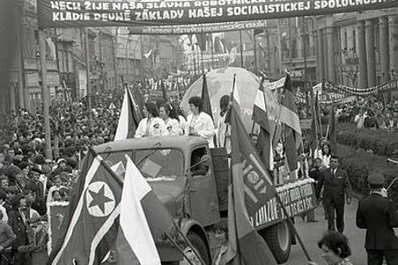 1.máj čas na oslavy socialistických úspechov