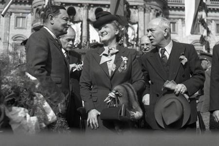 Rok 1945: Bratislavské oslavy víťazstva s prezidentom E. Benešom