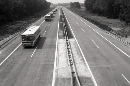 Rok 1985: Pomaly sa začína rysovať slovenská diaľničná sieť