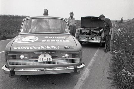 Rok 1973: Na cestách sa objavujú žlté pojazdné servisy pre škodovky
