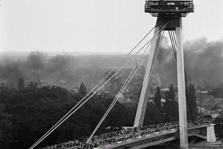 Rok 1972: Dominanta Bratislavy,  Most SNP je otvorený