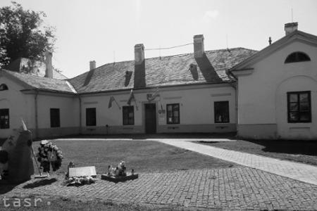 Radatice: Centrum dediny zdobí neskoroklasicistický kaštieľ