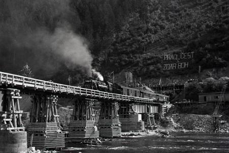 Rok 1945:Slávnostné otvorenie železničnej trate Žilina - Vrútky