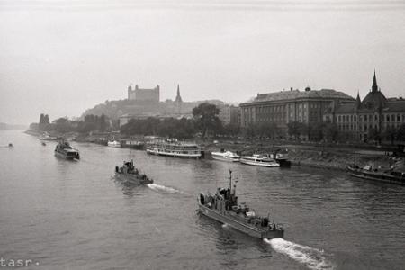 Rok 1967: Sovietske vojnové lode v Bratislave