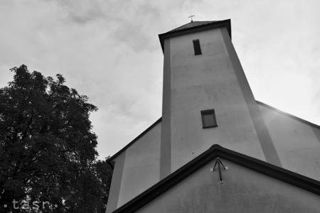 Biely Kostol: Obec neobchádzali ani panovníci či prezidenti