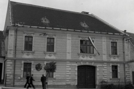 Rok 1945: Na námestí v Modre odhalili pamätník Ľudovíta Štúra