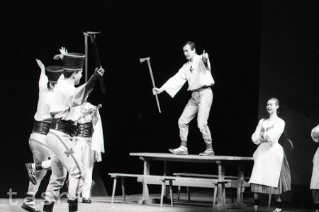 Rok 1974:Slovenská premiéra muzikálu Na skle maľované