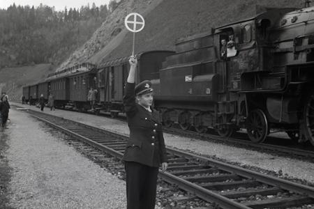 Rok 1952: Štátne železnice vyhodnocujú súťaž o vzorných pracovníkov