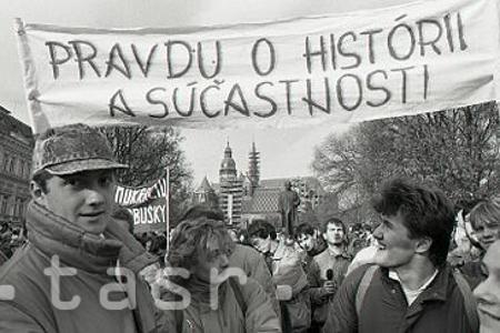 Rok 1989: Socializmu zvoní umieračik