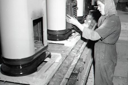 Rok 1952: Nové formy práce v trnavskom Kovosmalte
