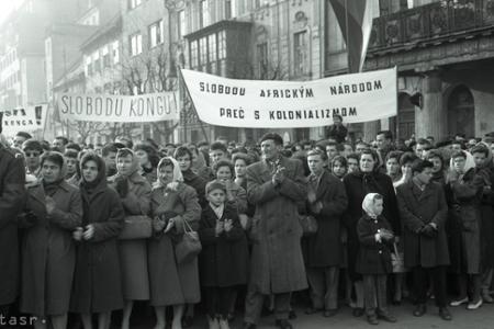 Rok 1961: Pracujúci ľud protestuje proti výčinom kolonizátorov
