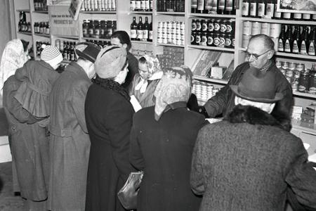 Rok 1954: Prvé donášky potravín do domov a bytov