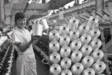 Rok 1968:Závody si vychovávajú zamestnancov vo svojich učilištiach