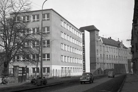 Rok 1961: V doprave pribudnú noví inžinieri