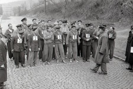 Rok 1956: Výberové preteky poštárov v športovej chôdzi