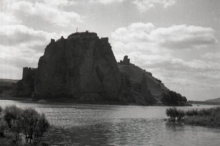 Rok 1974: Pokračuje obnova hradu Devín