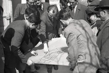Rok 1951: V Dolných Lovčiciach si stavajú sušiareň na tabak
