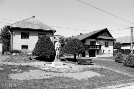 Veľká Lehota: Starú budovu obecného úradu postavili za žobračenky