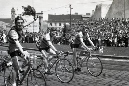 Na 1. mája štartovali cyklistické Preteky mieru Praha-Berlín-Varšava