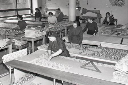 Rok 1956: Začína sa éra šiat zo silónovej látky