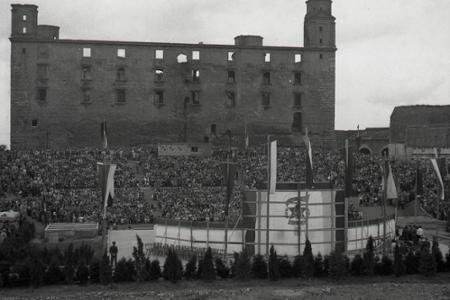 Rok 1949: V Bratislave sa otvára hradný amfiteáter