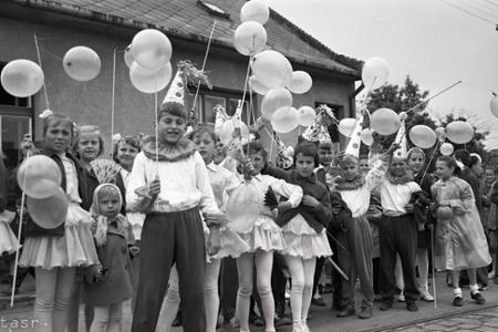 Rok 1959: Medzinárodný deň detí si v Karlovke poriadne užili