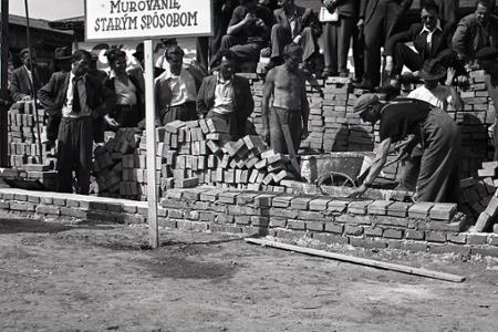 Rok 1950: Na Slovensku sa muruje po novom