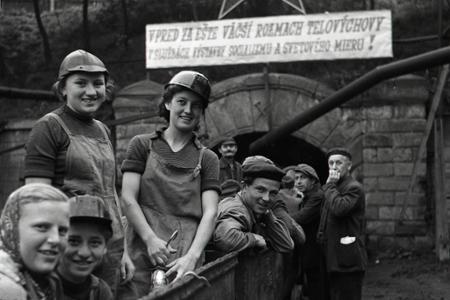 Rok 1952: Sokolská zmena v bani Handlová