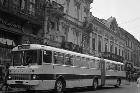 Rok 1968: V uliciach Košíc sa objavil kĺbový autobus