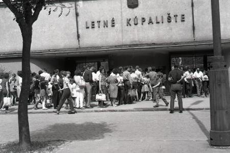 Rok 1965: Lejaky ustali, hor sa na kúpaliská