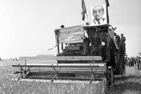 Rok 1953: Začína sa žatva