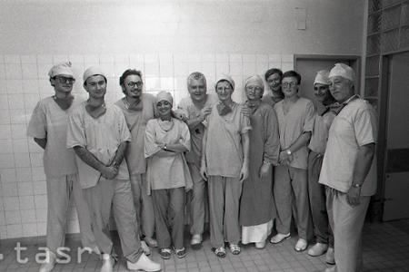 Rok 1989: Prvá transplantácia do ľudského mozgu v ČSSR