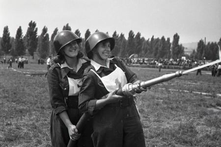Rok 1959: V Bratislave vrcholí celoštátna súťaž požiarnikov