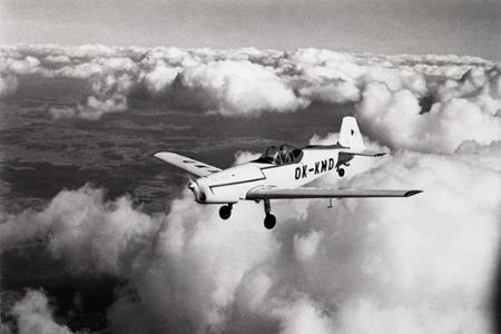 Rok 1960: Bratislava sa pripravuje na I. Majstrovstvá sveta v leteckej akrobacii