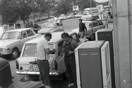 Rok 1971: Čerpacie stanice na plný plyn