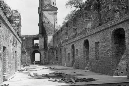 Rok 1956: Rekonštrukcia Bratislavského hradu