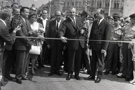 Rok 1968: V Komárne dali do prevádzky sklápací most